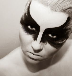 A.B. Photography and Make up Art : Strass, Federn und Masken