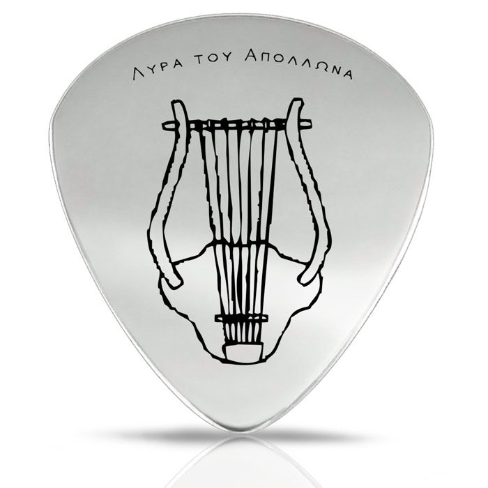 Our collection of accessories includes a guitar pick with an engraved depiction of Apollo's lyre. Apollo was the patron god of music and arts. The guitar is crafted by hand and is made of silver 925°.