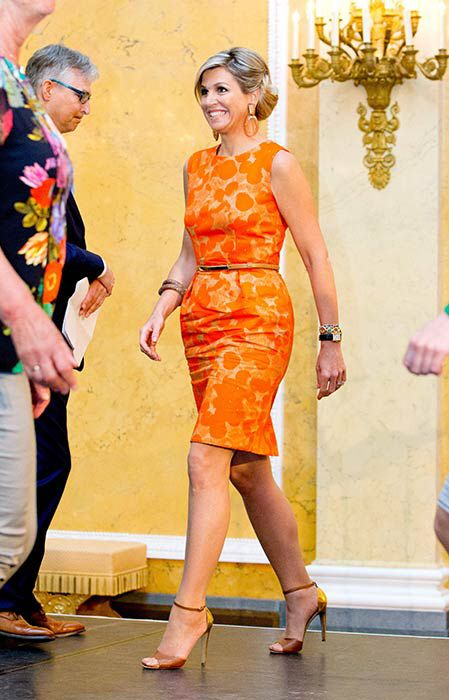 Maxima showing her curves in orange.