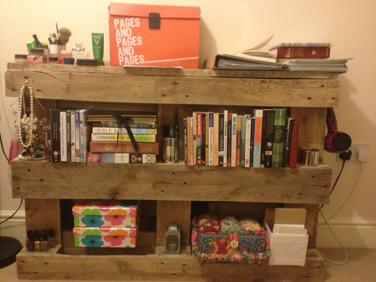 Things you can make out of wooden pallets shelves and for What can u make out of pallets