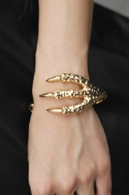 super cute.: Hawks Claws, Dragon Claws, Gold Bracelets, Bracelets Cuffs, Forks Bracelets, Fashion Trends, Birds Claws, Claws Bracelets, Glossy Hawks