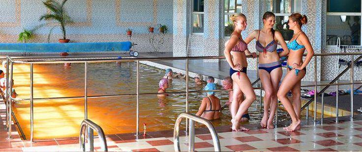 Климатобальнеологический многопрофильный санаторий «Теплица» – современная, комфортабельная здравница на 170 мест, основным природно-лечебным фактором которой являются термальные и минеральные воды.