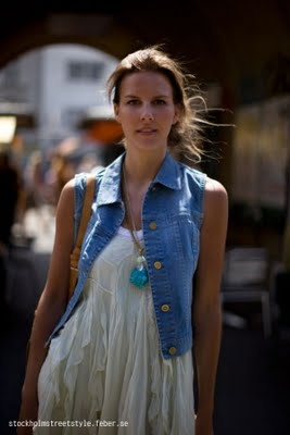 Chaleco de Mezclilla: A Mini-Saia Jeans, Coming Back, Jeans Vest, Bananas, Motorcycles Jackets, Beautiful, Denim Vest, Denim Things, Le Style