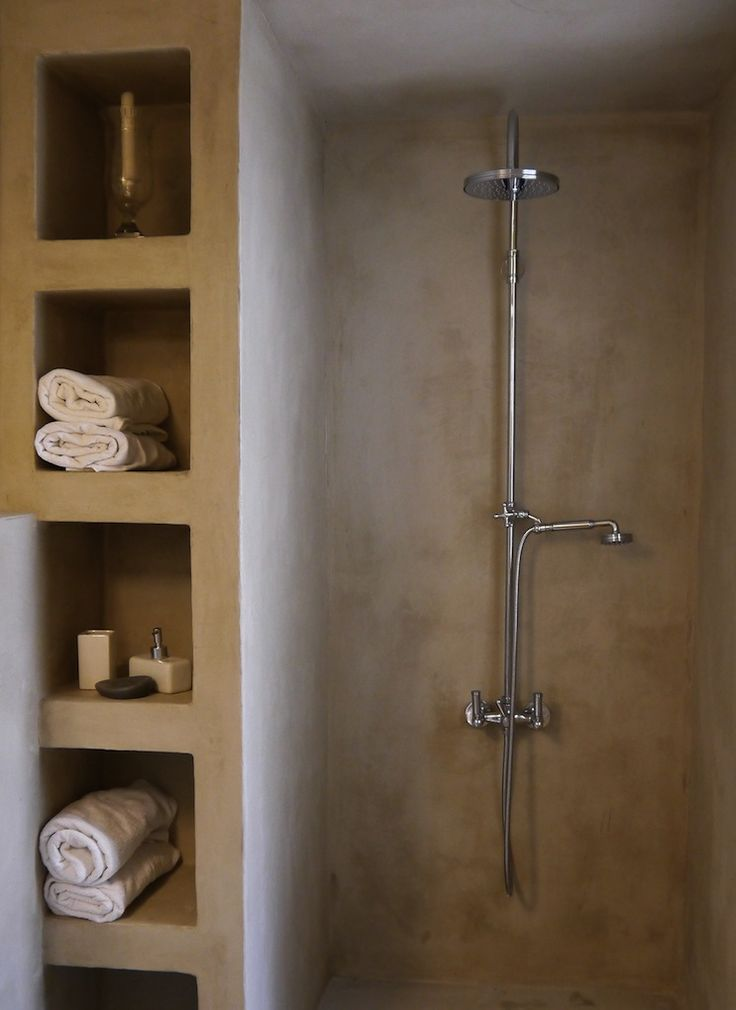 open shower, built in shelf