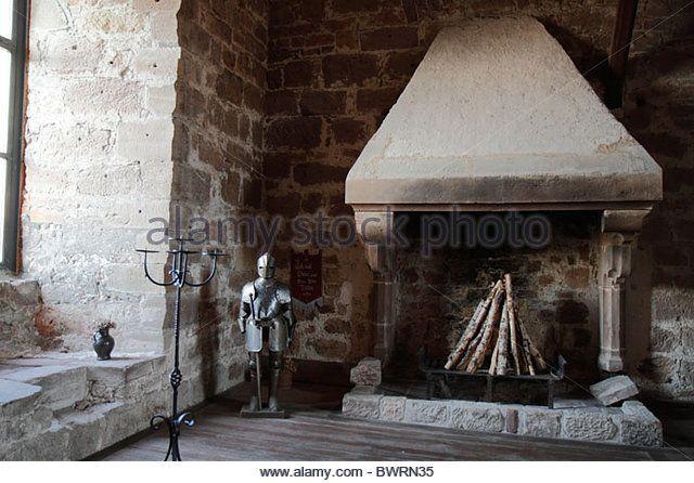 knights-armor-and-open-fireplace-great-hall-burg-hardeg-palace-hardegsen-bwrn35.jpg (JPEG-afbeelding, 640×446 pixels)