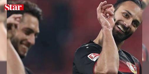 Bizimkilerin gol sevinci Almanya'da olay oldu!: Dün Herta Berlin ile Bay Arena'da karşı karşıya gelen Bayer Leverkusen'de Hakan Çalhanoğlu ve Ömer Toprak'ın 'Nusretli' gol sevinci görülmeye değerdi.