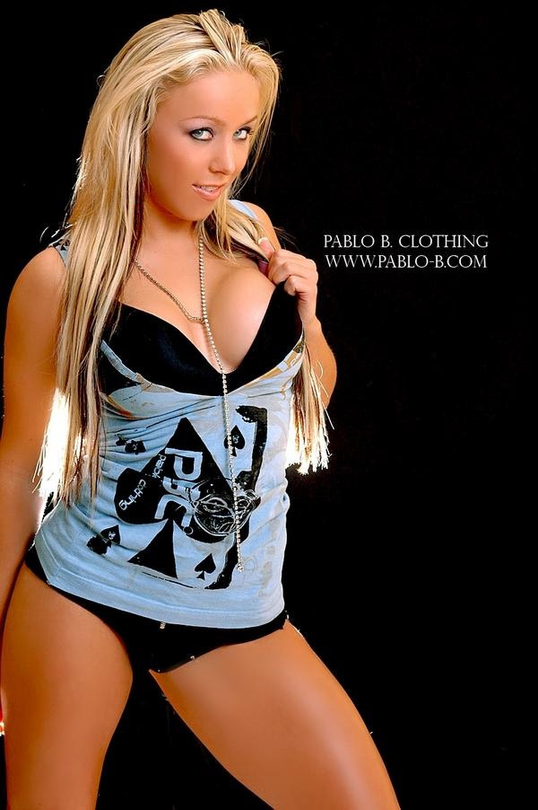 Tna Women S Clothing