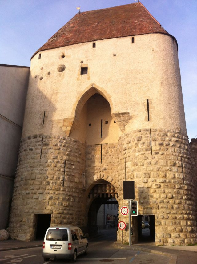 The entrance to the Old Town of Hainburg - image by www.englishmaninslovakia.co.uk