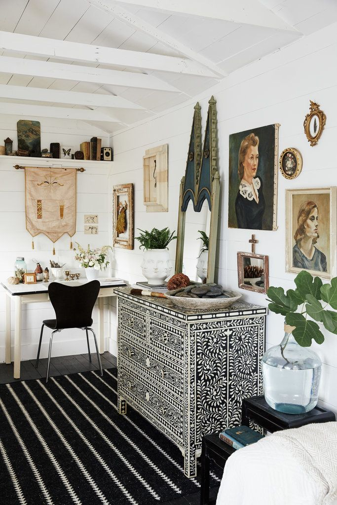 Yearning for a workspace that wouldn't cramp her home's floor plan, Homepolish designer Paige Morse set her eyes on two ramshackle sheds in…