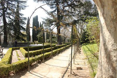 Parque El Capricho, Madrid's Most Photogenic Park - Gee, Cassandra