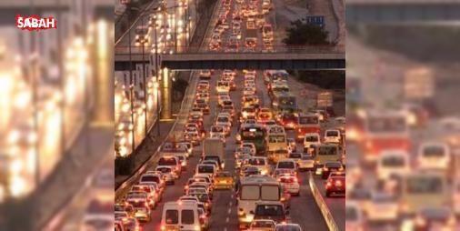 Trafikte bir dönem kapanıyor! : Yeni alınan kararla birlikte çakar ve siren kullandığını emniyete bildirmeyen araçlar kontrol amaçlı da çevirebilecek.  http://ift.tt/2e4zjuH #Türkiye   #bildirmeyen #emniyete #kullandığını #araçlar #kontrol