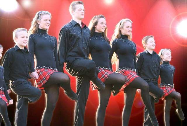 The Willis Clan Dancing