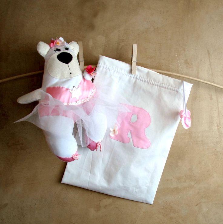 Set Orsetta Principessa Ballerina e sacchetto con iniziali, cuscino poggia testa da viaggio in pile bianco, tutù in tulle, fiori pannolenci di PABUITA su Etsy