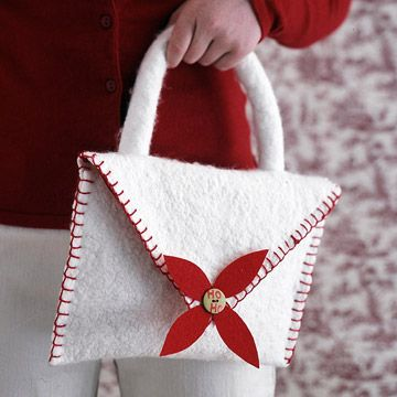 Easy-to-Make Felt Purse: An Easy Christmas Craft