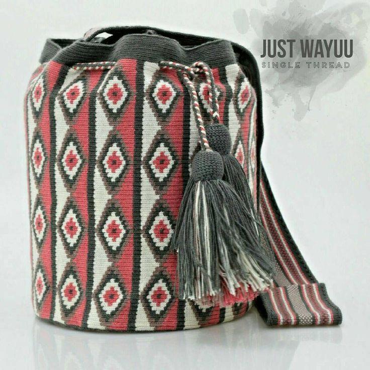 Handcrafted handbags made by indigenous wayuu in the north of Colombia. Worldwide shipping – envíos mundiales – PayPal WA +57 3188430452 #seoul #ootd #mochilas #wayuu #handmade #boho #hippie #bohemian #trendy #knitting #australia #handmadehandbag #Handgjo