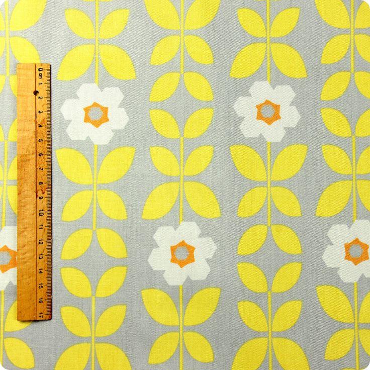 df1be5d50554ca2d2c8ad27d267dfc20 grey flowers fat quarters