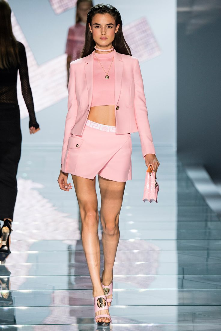 8dc828029 fashion store usa Versace Spring 2015 Ready to Wear Collection Photos Vogue