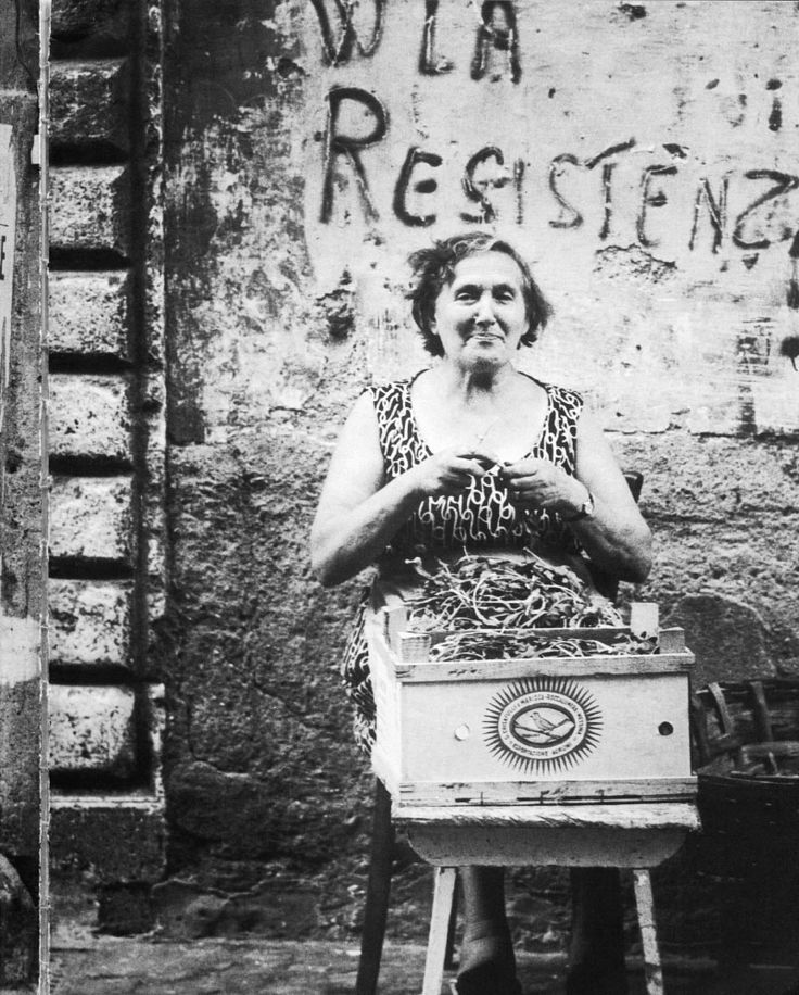 Emilio Gentilini, Donne di Trastevere 1971 - 1972, La sora Rina, la fruttarola di Vicolo de' Cinque