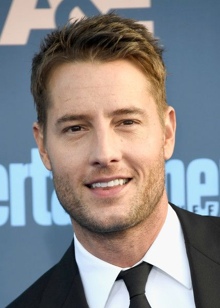 Justin Hartley Photos Photos - Actor Justin Hartley attends The 22nd Annual Critics' Choice Awards at Barker Hangar on December 11, 2016 in Santa Monica, California. - The 22nd Annual Critics' Choice Awards - Arrivals