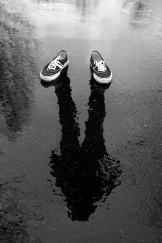 Non si scappa mai dai luoghi,nè dalle persone, nè tanto meno dalle circostanze:si scappa da se stessi. (A. Merini) Cool pic