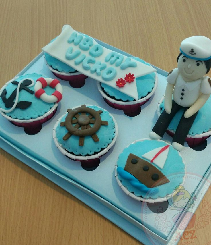 Sailor cupcake. Sailorman cake.