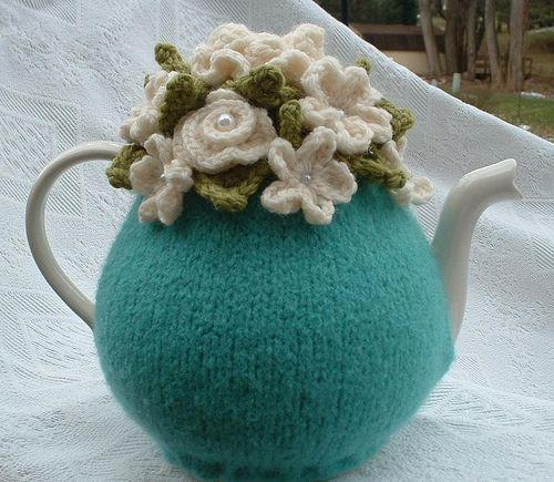 sweet blue tea cosy