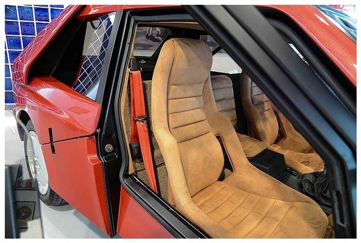 Lancia Delta S4 Stradale Interior 3/4 passenger side