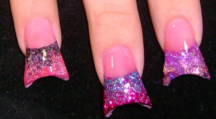DO YOU REALLY THINK THIS LOOKS ATTRACTIVE?!?! ahhh I hope the stupid stubby flared nail look fades as quick as the planking MEME fad... we can only hope.