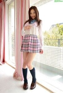 Tina Yuzuki Tina-Yuzuki-sweet-little-young-lolita-school-girls-legs-203x300