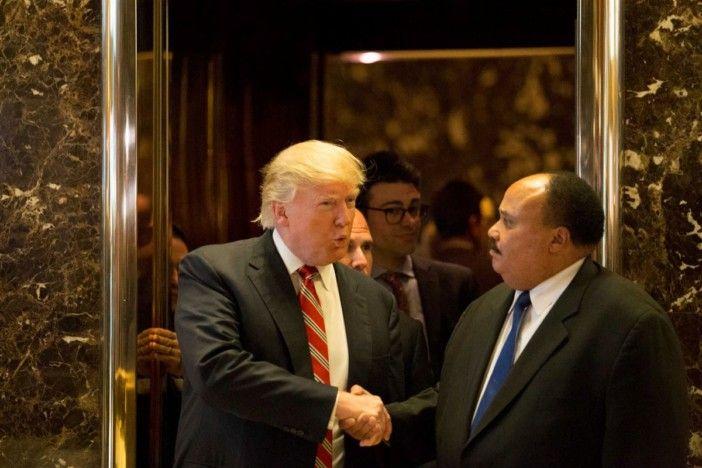 Trump homenageia Martin Luther King após atacar outra figura dos direitos civis https://angorussia.com/noticias/mundo/trump-homenageia-martin-luther-king-apos-atacar-outra-figura-dos-direitos-civis/