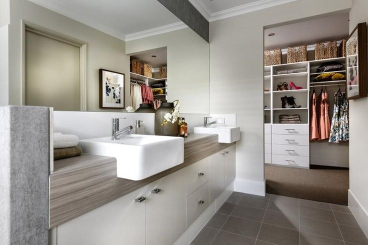 Walk in robe to ensuite
