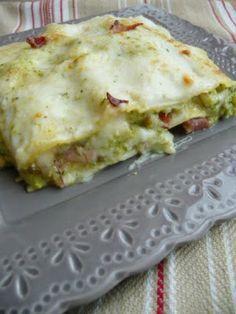 Lasagne con pesto di zucchine speck e scamorza