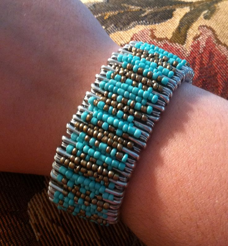 DIY beaded safety pin bracelet { latest trend in fashion. So simple and very beautiful. }