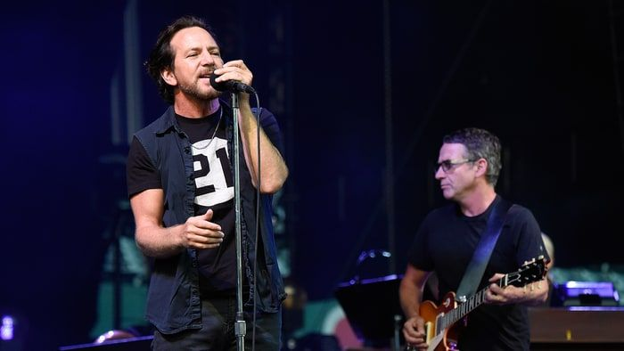 Pearl Jam Deliver Searing Rock Hall of Fame Induction Performance – rollingstone.com