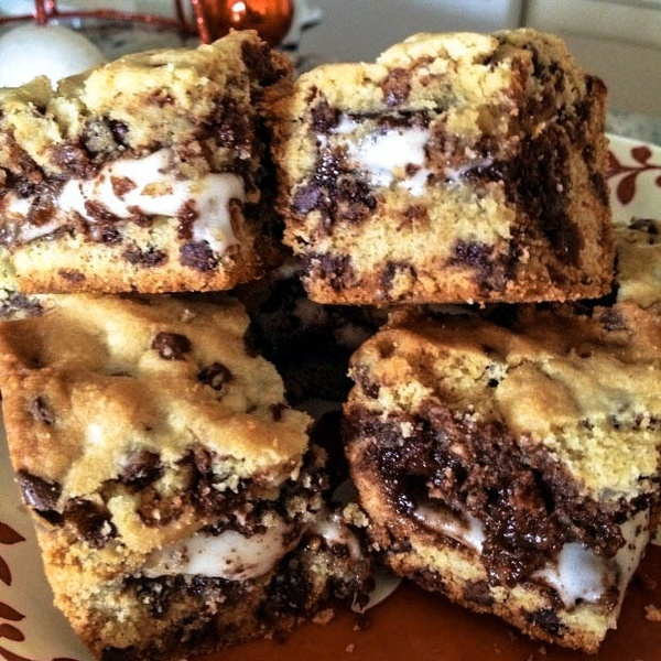 Peppermint patty choco chip cookie bars, mmmm