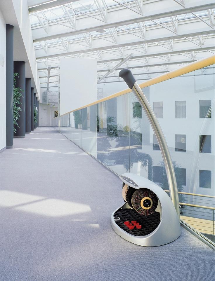 Maszyna do czyszczenia i polerowania obuwia