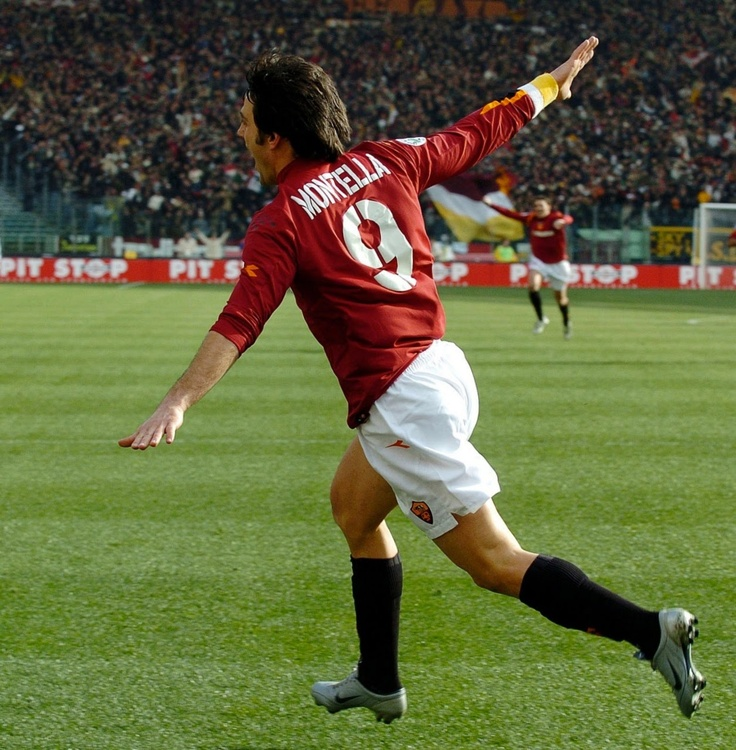 Vincenzo Montella - AS Roma - World Famous Airplane Goal Celebration