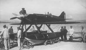 Oggi ricordiamo Vittorio Centurione Scotto (Genova, 7 maggio 1900 - lago di Varese, 21 settembre 1926).  Aviatore e militare italiano, partecipò alla prima guerra mondiale e fu decorato con la Medaglia di bronzo al valor militare. Capitano pilota della specialità idrovolanti, battè il record mondiale di altitudine per idrovolanti e fu selezionato per partecipare alla Coppa Schneider. Il 21 settembre 1926, durante un allenamento l'aereo scomparve nelle acque del lago…