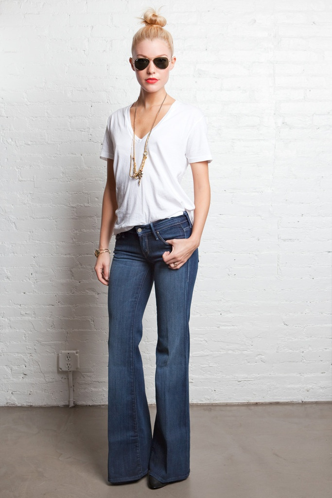 Love the super flare jeans!!! Just bought some and can't wait to wear them! Love the simple white tee and necklaces!