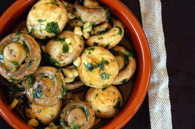 Champiñones al ajillo - Garlicky mushrooms