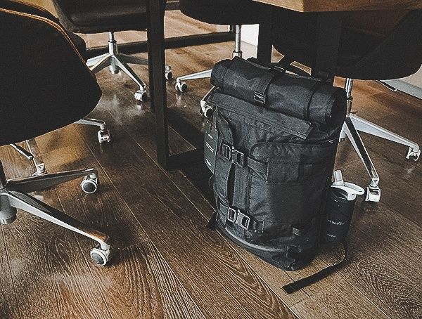 Mission Workshop The Rhake Review - USA Weatherproof Laptop Backpack ... 0a492fa64ebd9