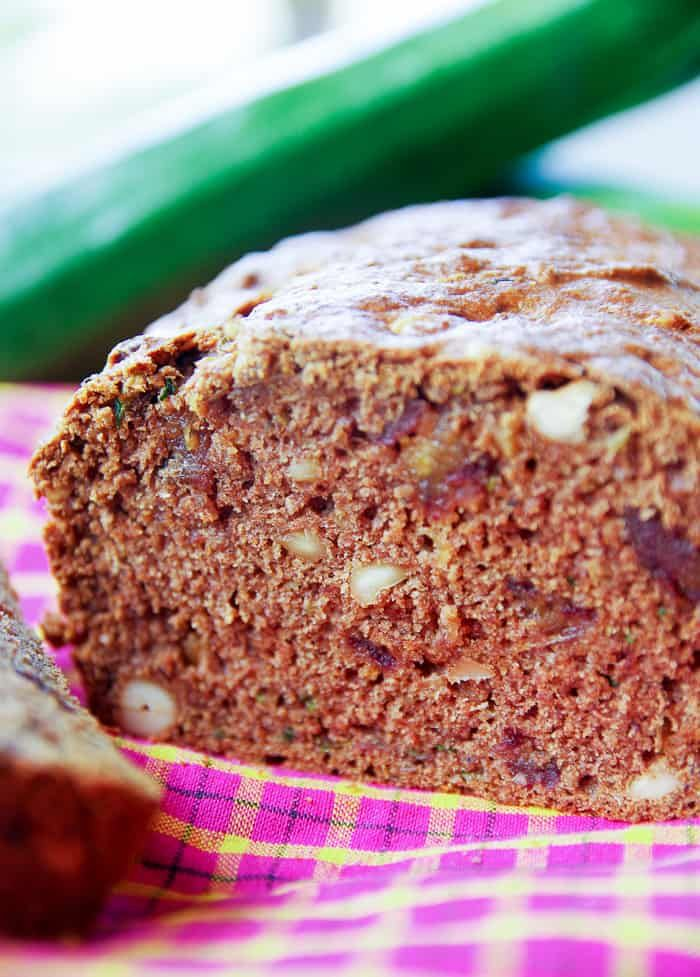 Vegan Zucchini Bread That S Healthy Made With Applesauce Dark Brown Sugar And Dates For Sweetnes Zucchini Bread Healthy Zucchini Bread Recipes Zucchini Bread