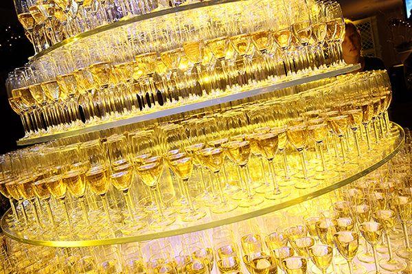 champagne toren - kunnen we dit aan met 20 DVN'ers?