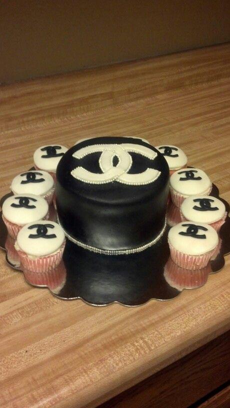 Fondant Channel cake an cupcakes