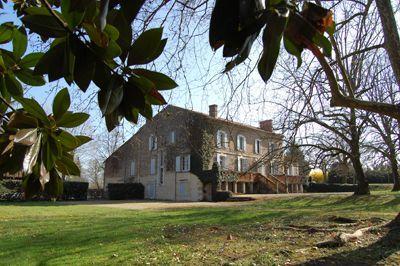 Propriété avec Meublé de tourisme, possible chambres d'hôtes, à vendre à Ménesplet en Dordogne