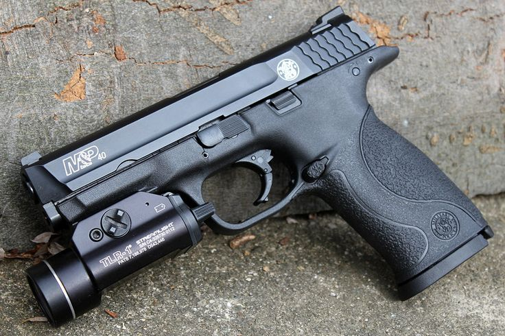 Smith and Wesson M 40 with a Streamlight TLR.