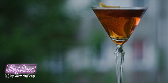 MANHATTAN PERFECT Wyważony: american bourbon whiskey - 60ml, wermut wytrawny - 15ml, wermut słodki - 15ml, angostura bitter - 2dash  Przepisy na drinki znajdziesz na: http://mojbar.pl/przepisy.htm