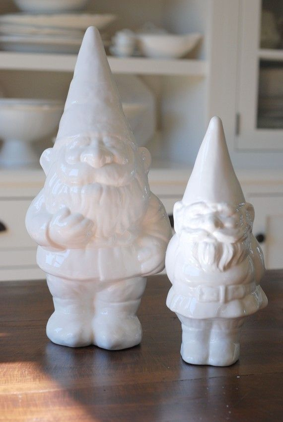 he would look awesome on my mantel.: Modern Gardens, Gnomes Gnomes, Backyard Ideas, Gnomes Roundup, Sweet Gnomes, Gardens Tools, Apartment Therapy, Gardens Gnomes, Gnomes Sweet