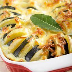 Kartoffel Zucchini Gratin  Ein kleine leckeres Mittagessen. Dieses kleine Gericht ist in wenigen Minuten vorbereitet.     http://einfach-schnell-gesund-kochen.de/kartoffel-zucchini-gratin/