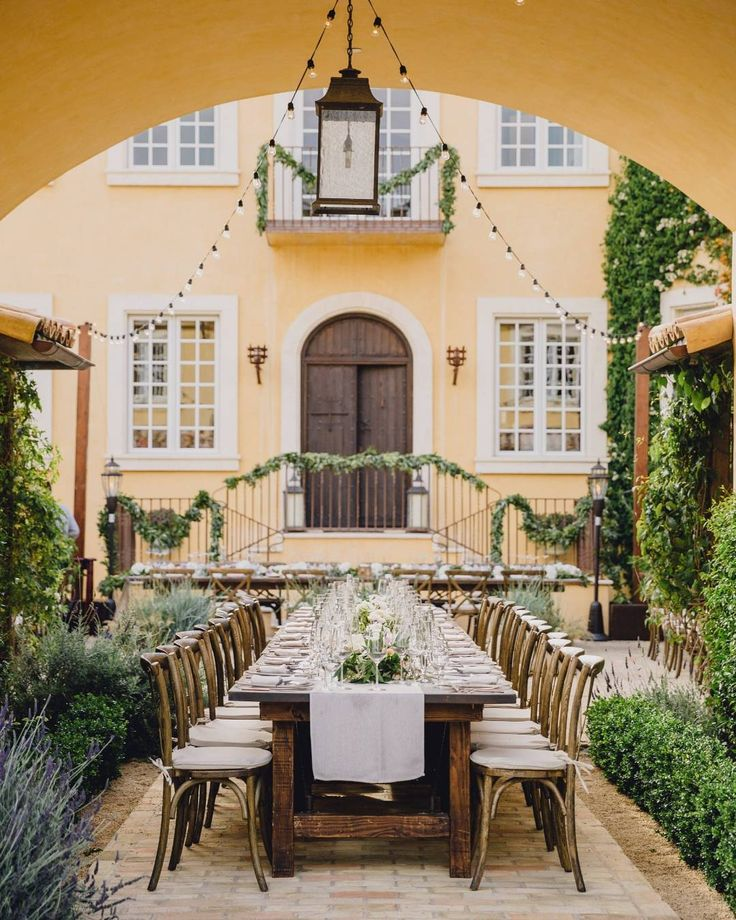 Rustic outdoor reception from a Monterey private estate wedding 😍 Photography by @daverichardsphoto